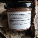 Roter Johannisbeeren- Stachelbeeren- Aufstrich mit weißer Schokolade
